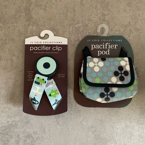 NEW❗️JJ Cole Pacifer Clip and Pacifier Pod